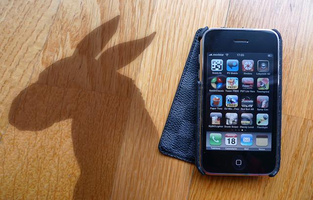 novato con el iPhone
