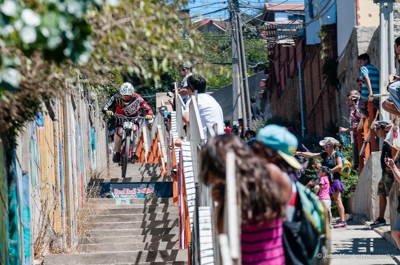Guga Ortiz RedBull Valparaiso Cerro Abajo 2015 - Foto: Jesus Mier