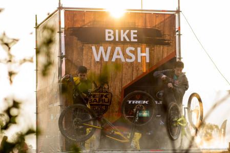 Enduro Trek Subaru, Las Varas 2017. Bike Wash. Foto: Jesus Mier