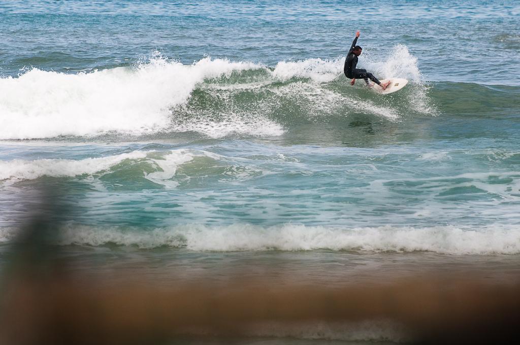 Surf en playa de San Antolin