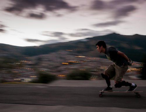 Longboard en la ciudad de Quito, Ecuador