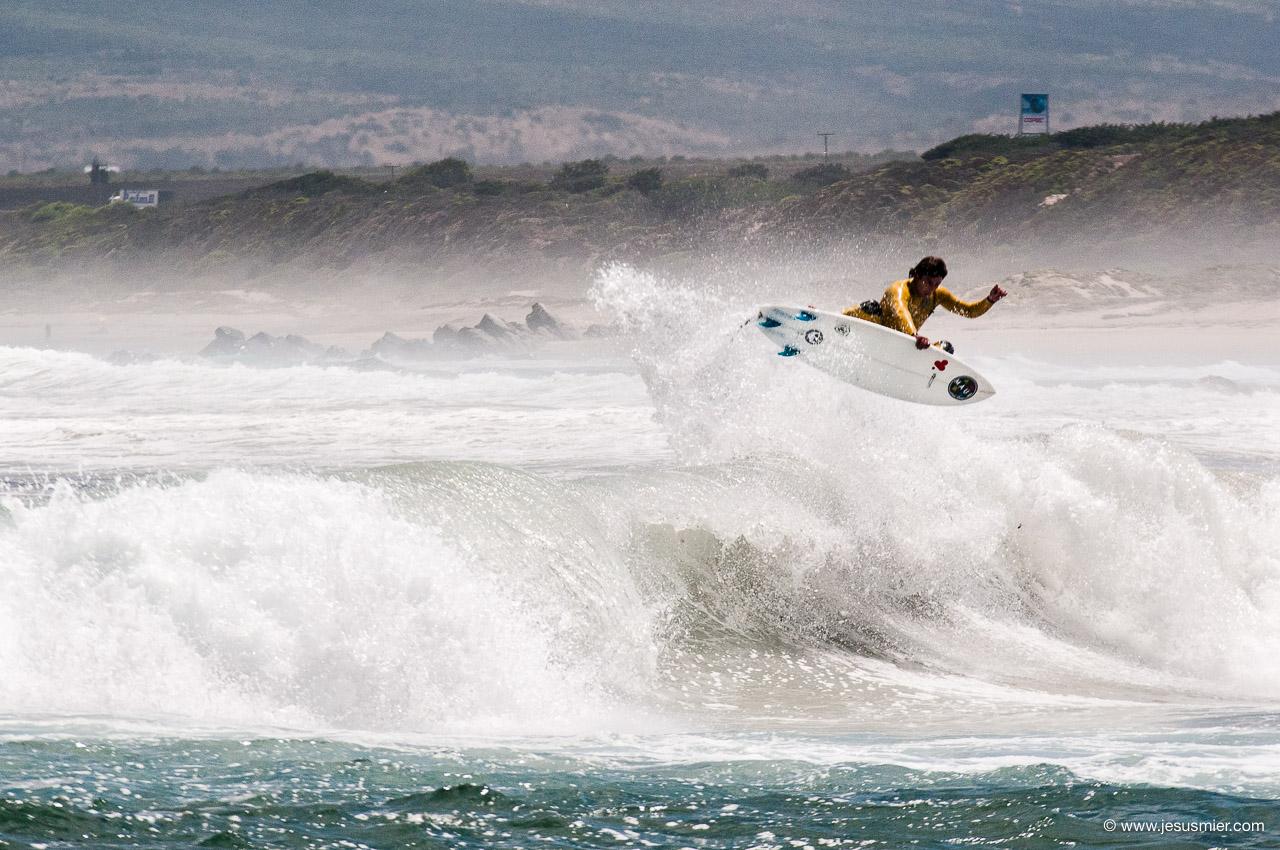 La Ballena Chile 2013, Surfista Tristan Aicardi, Foto © Jesus Mier