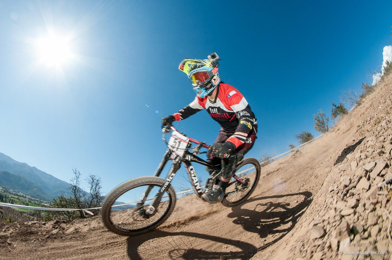 2da Copa Aconcagua DHI 2015. Rider: Carlos Galaz - Foto: Jesus Mier
