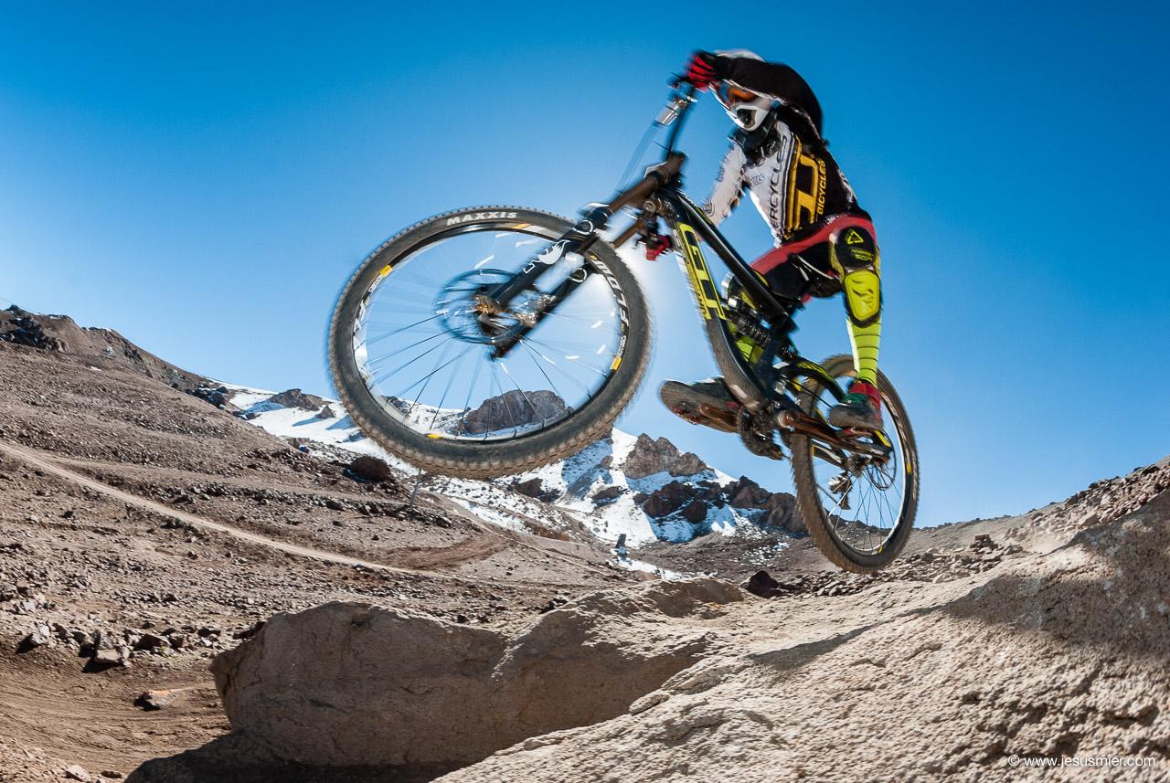 Felipe Agurto, DirecTv Súper Downhill 2015. Foto: Jesús Mier