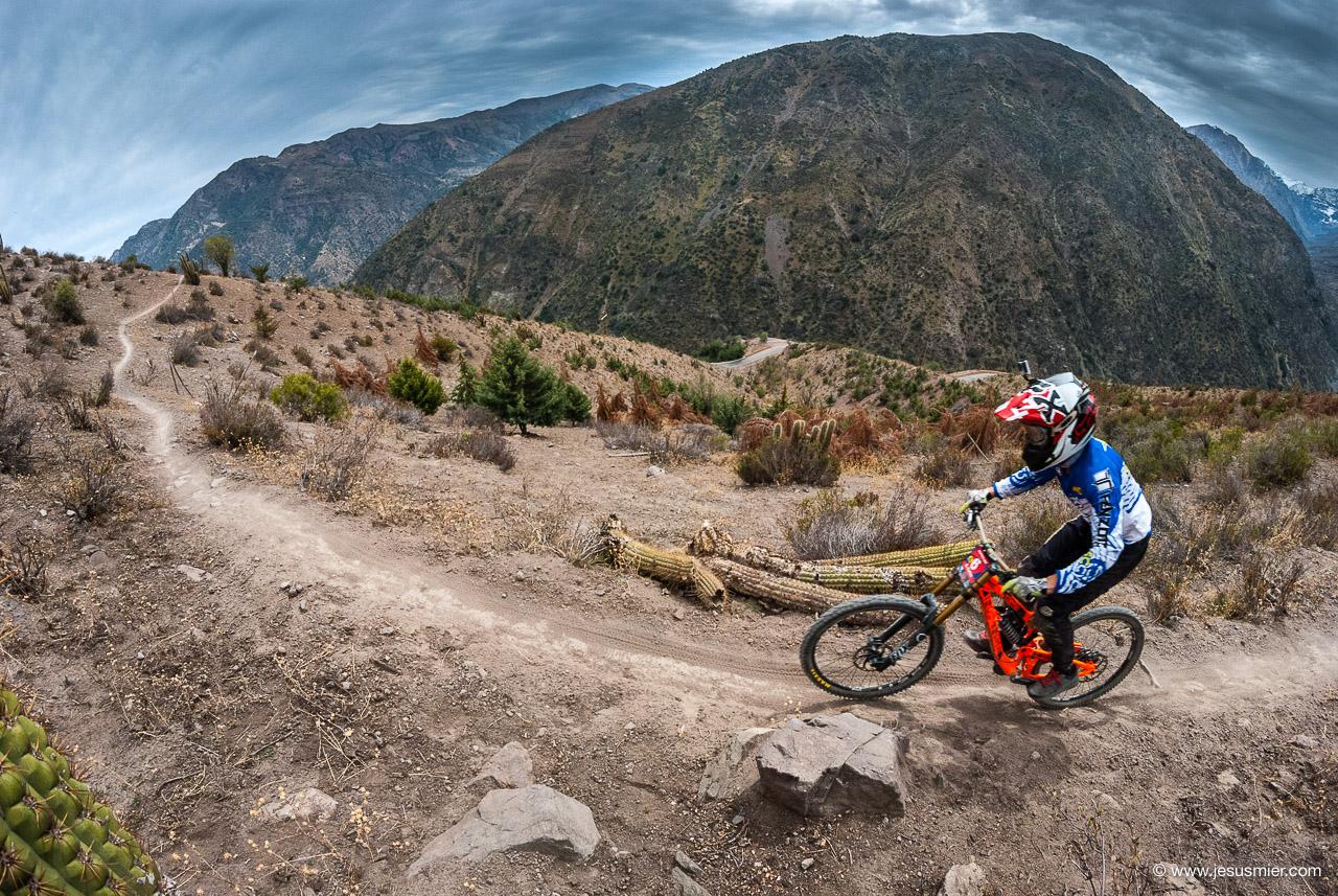 Rodrigo Farias, DirecTv Super Downhill 2015. Foto: Jesús Mier