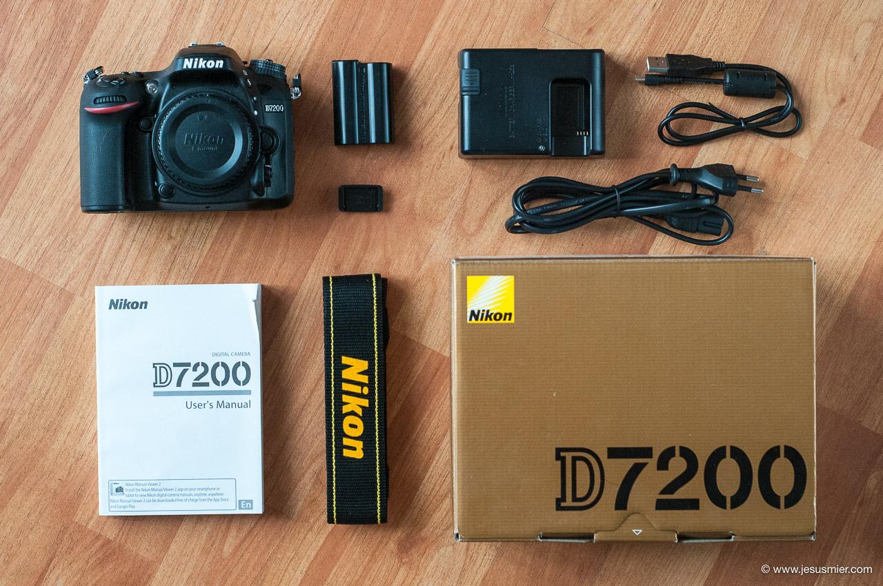 Unboxing y accesorios Nikon D7200