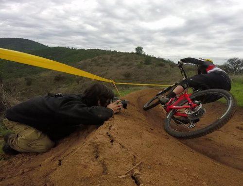Fotografiando otra carrera de enduro y otro detrás de cámara fallido Video